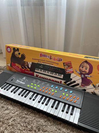 Электронный синтезатор «Маша и Медведь»