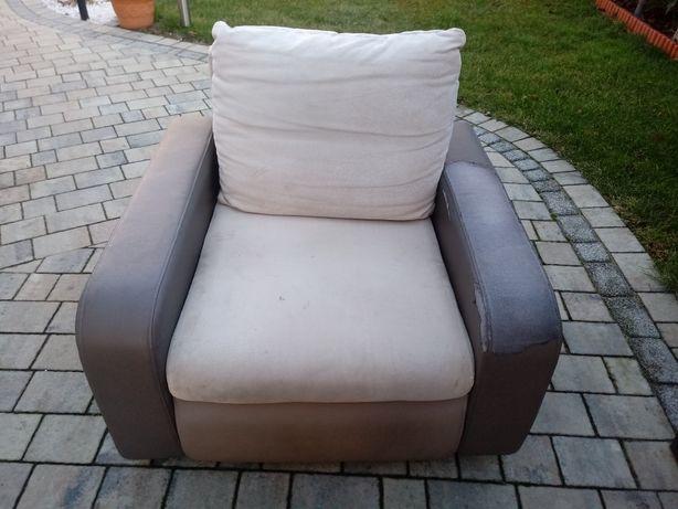 Wygodny fotel wypoczynkowy