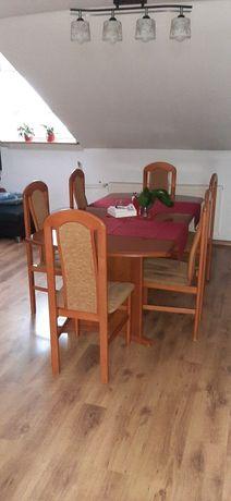Stół rozkladany drewniany  200/100 z krzesłami