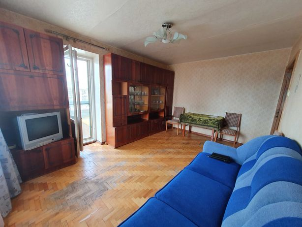 Продам 2 кімнатну квартируна  1 мкрні лівого берега