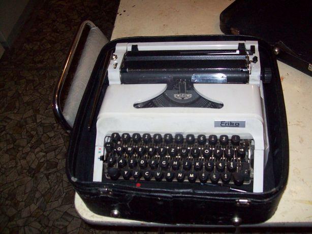 stara maszyna po pisania erica walizkowa stan b.dobry