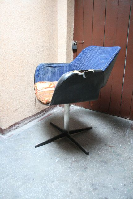 Fotel obrotowy ze sklejki PRL Radomsko muszelka vintage modern retro