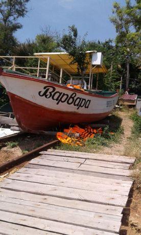 Продам лодку фелюгу