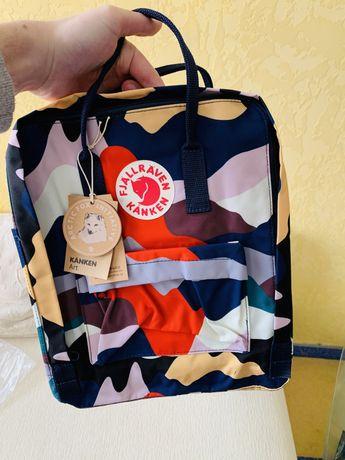 Продам рюкзак Канкен в цветном камуфляже!