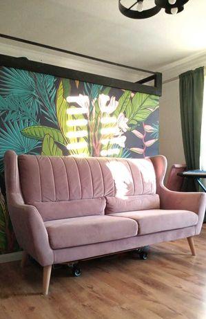 Sofa pudrowy róż