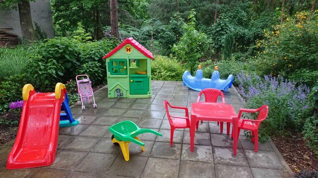 Domek dla dzieci + zabawki