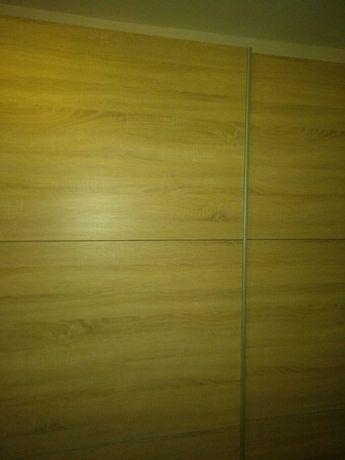 Duża pojemna szafa
