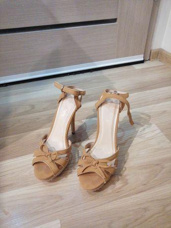 Sandałki r. 40