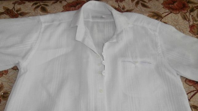 Біла святкова сорочка на підлітка