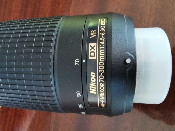 Nikkor 70 - 300mm DX VR