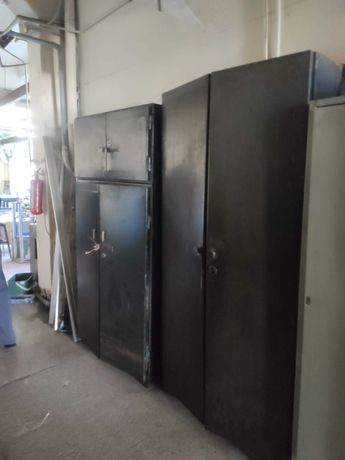 Продам шкаф металлический