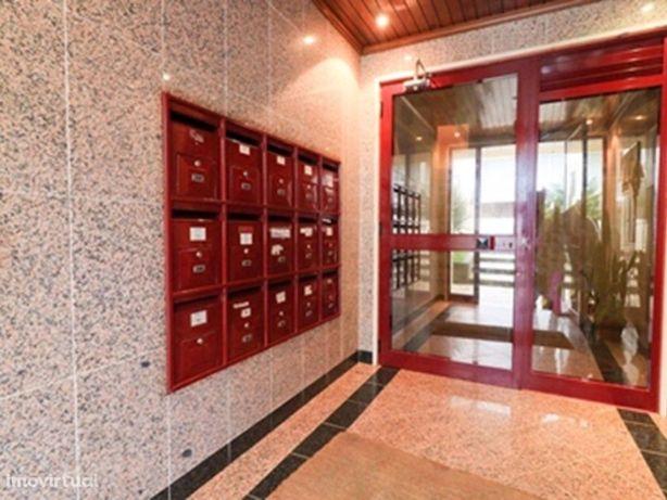 Apartamento T2 situado em Zona Central Perto do Centro da...