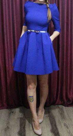 Женское платье . Размер М