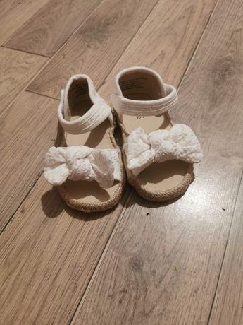 Sandałki H&M z kokardką