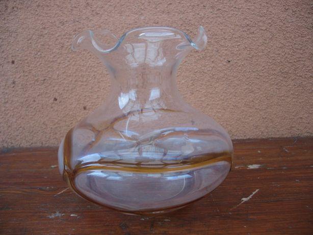 Stary oryginalny wazon -szkło białe z paskiem w kolorze miodowym