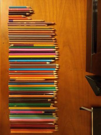 Карандаши цветные + пенал 60 штук б/у детское творчество для рисования