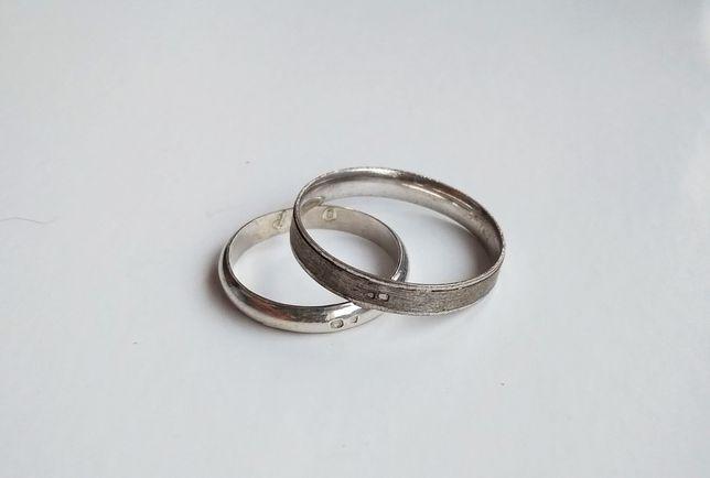 Cada anel de prata