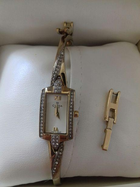 Часы женские CLYDA