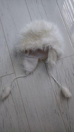 Czapka biała zimowa 158/ S