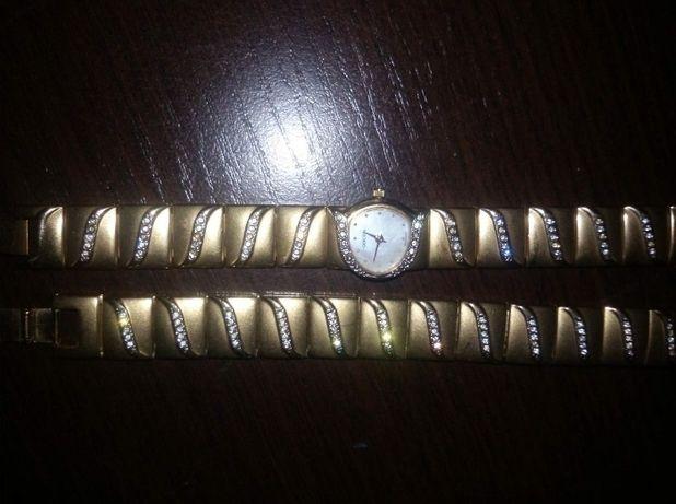 Швейцарские часы,набор с браслетом