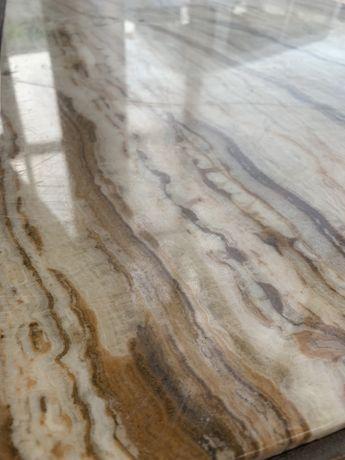 Stół marmurowy rzeźbione drewno dębowe stolik kremowy jasny