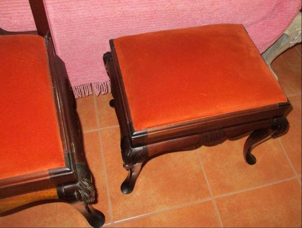Cadeiras e bancos estofados