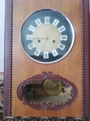 Часы маятниковые. настенные с боем