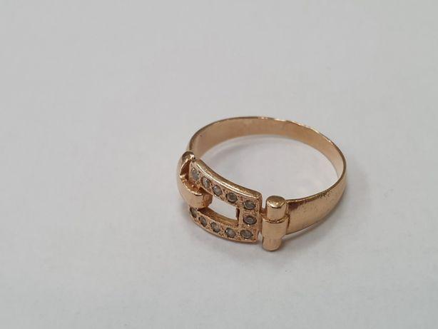 Piękny złoty pierścionek/ 585/ 3.4 gram/ R18/ polska cecha/ Gdynia