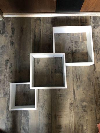 Półka biała ozdobna