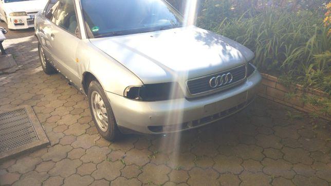 Obudowa filtra powietrza Audi a4 1.8 beznyna b5