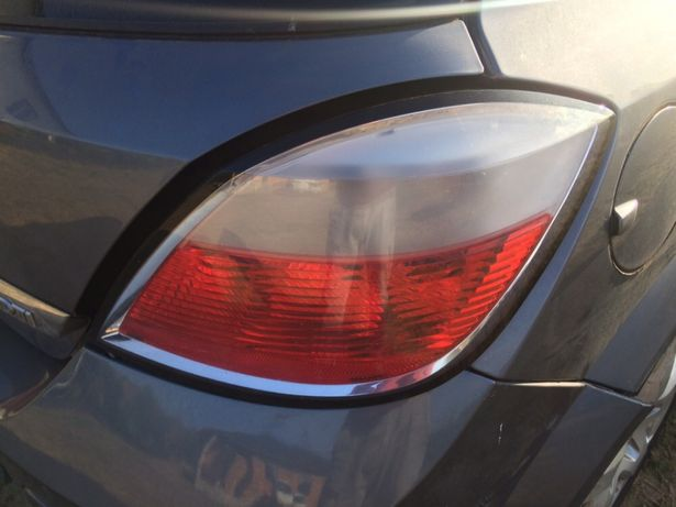 Opel Astra HB lampa