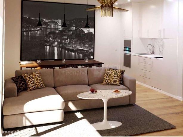 Apartamento T1 novo com terraço junto ao Cais de Gaia, Porto