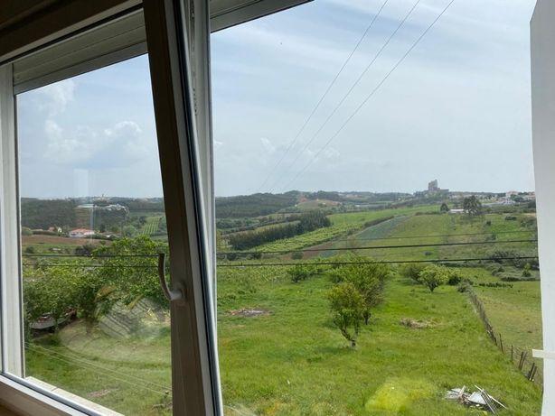 Parte Moradia / Lourinhã, Marteleira com 2 hectares de terreno