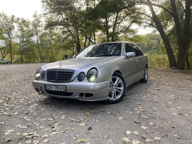 Mercedes-benz e320 w210