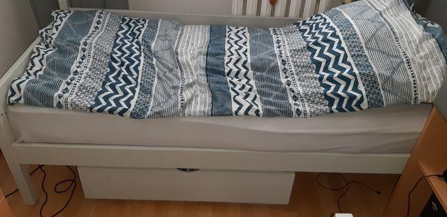 Sprzedam łóżko drewno