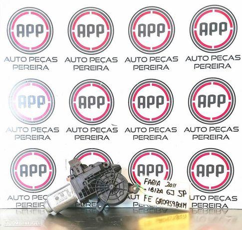 Motor de elevador vidro eléctrico Skoda Fabia, Ibiza 6J 5 portas frente direito ref 6R0959801M