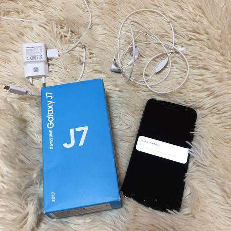 Samsung Galaxy J7 2017г.
