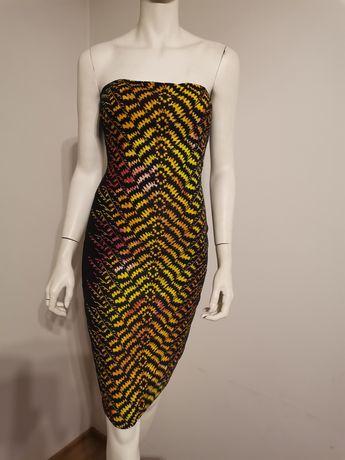 Sukienka bez ramiączek BEBE koktajlowa, czarna z kolorowym wzorem XS/S