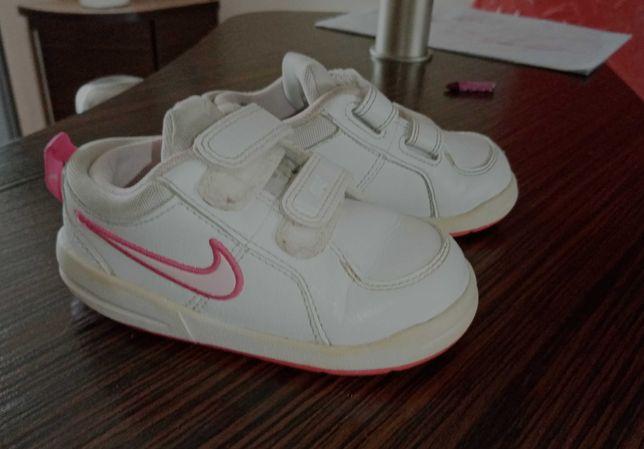 Buty dziewczęce Nike r. 23.5