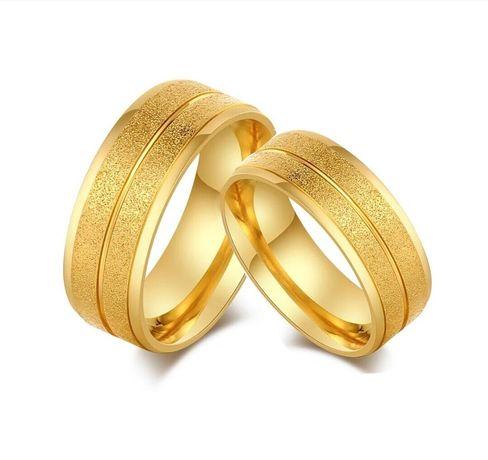 Niezwykły Duet Złotych Obrączek Ślubnych