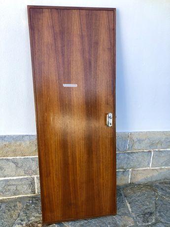 Porta em madeira 75x200cm Esquerda
