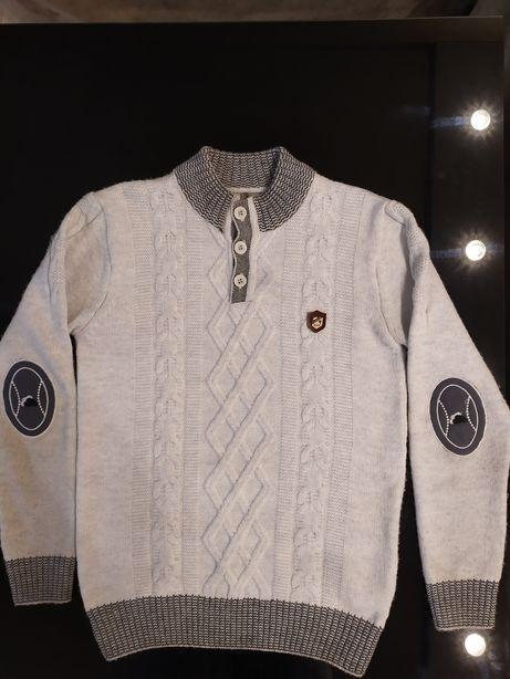Модный, стильный свитер