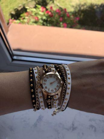 Zegarek damski z długim paskiem