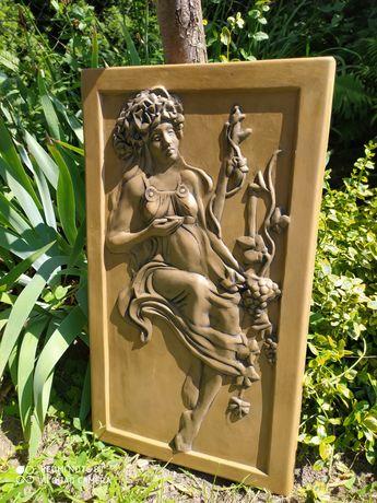 Płaskorzeźba kobieta obraz bogini odlew