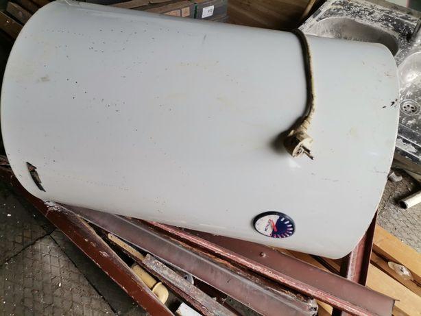 Elektryczny podgrzewacz wody - Bojler 80L firmy Etalon.