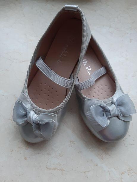 Srebrne baletki balerinki półbuty Neli Blue z kokardką