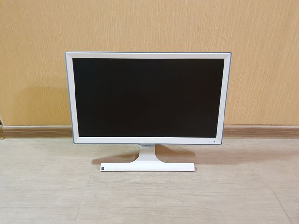 Монитор Samsung 22 дюйма