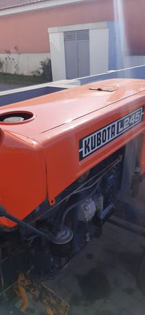 Trator Kubota 245 DT