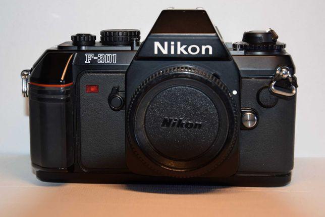 Nikon - Maquina Analógica F-301