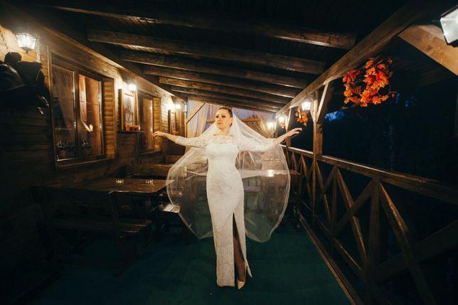 Стильное платье свадебное,вечернее или выпускное.